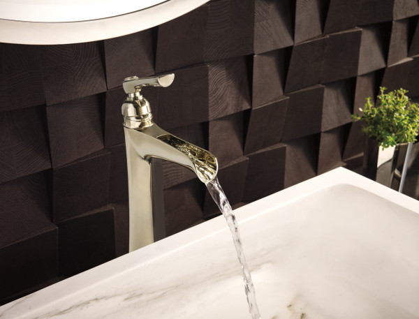 water-rook-detail-textured-wall-bathroom-Christian-May