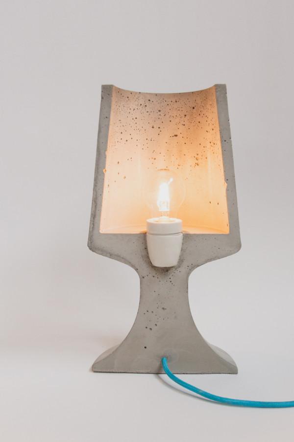 Crescent_Concrete-Lamp-Qoowl-3