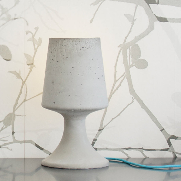 Crescent_Concrete-Lamp-Qoowl-6