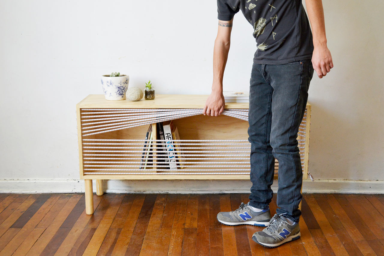 A Shelf Inspired by the Ropes in Boxing Rings