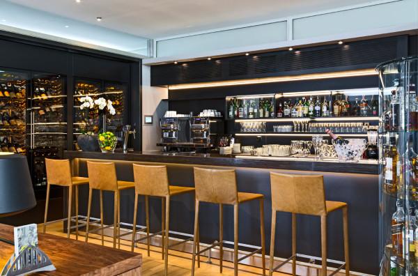 Destin-Hotel-Palafitte-Switzerland-18-bar