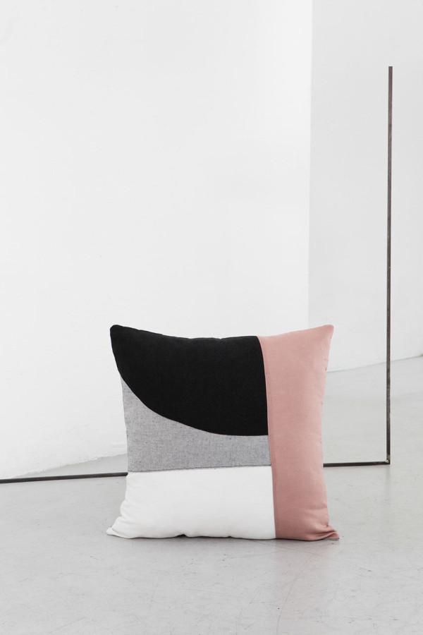 EDIZIONE-ZERO-Testo-cushions-3