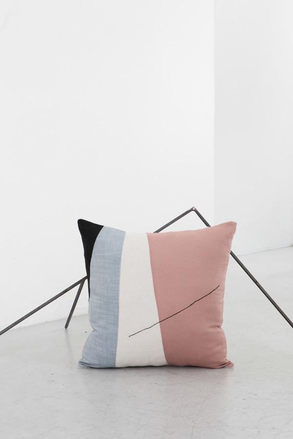 EDIZIONE-ZERO-Testo-cushions-5