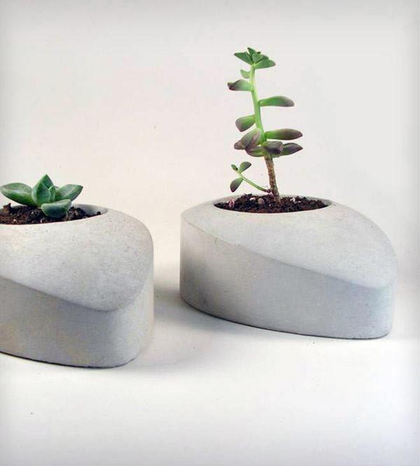 GiftGuide2015-Handmade-3-Concrete-Drop-planter