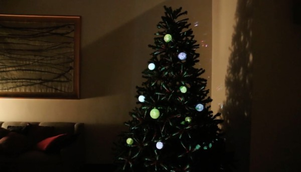Ambos-Christmas-tree-02