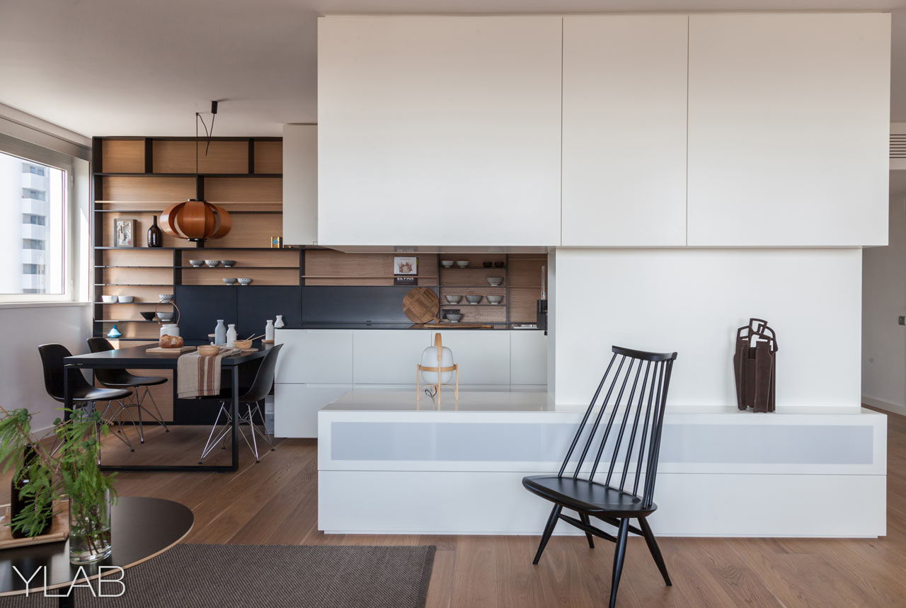 An Apartment in Barcelona's Diagonal Mar District Gets Renovated
