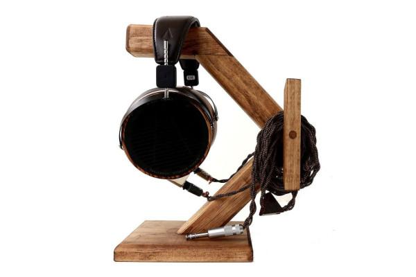 Headphone Stand_Wood Warmth