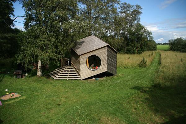 photo courtesy of jaanus orgusaar - Modern Cabin Design