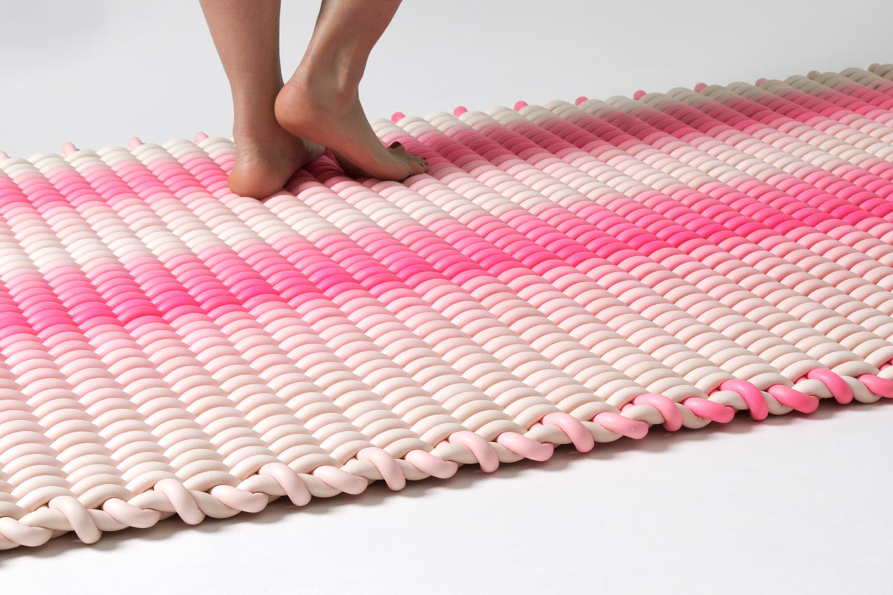 Indoor outdoor rugs made of silicone cord design milk - Tips to consider when buying an outdoor rug ...