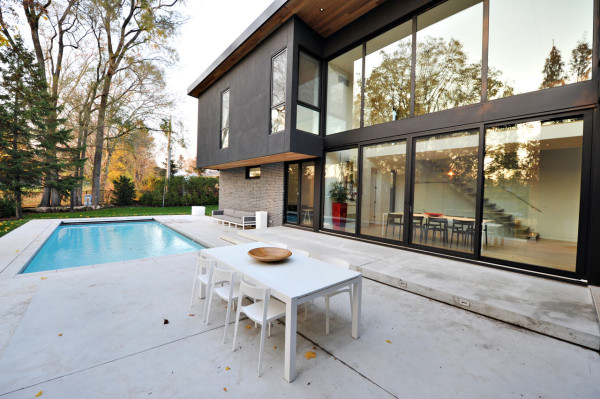 A Sophisticated Glass House in Canada Design Milk