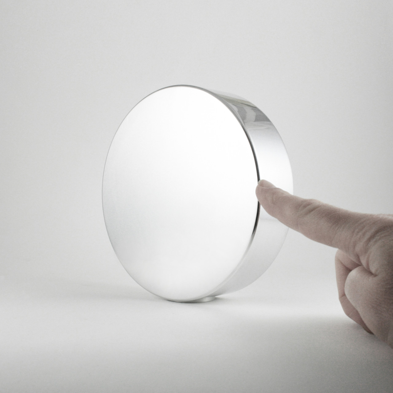 Mirror Disc by Minimalux