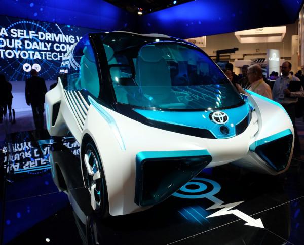 07-Toyota-FCV-Plus