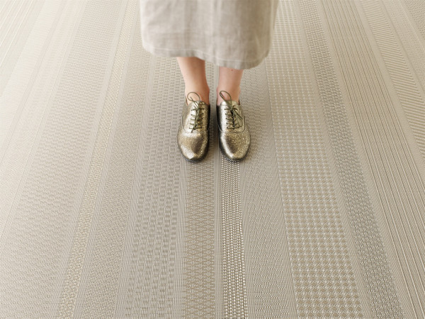 Chilewich-15-SS2016-floor_mixed-weave_topaz