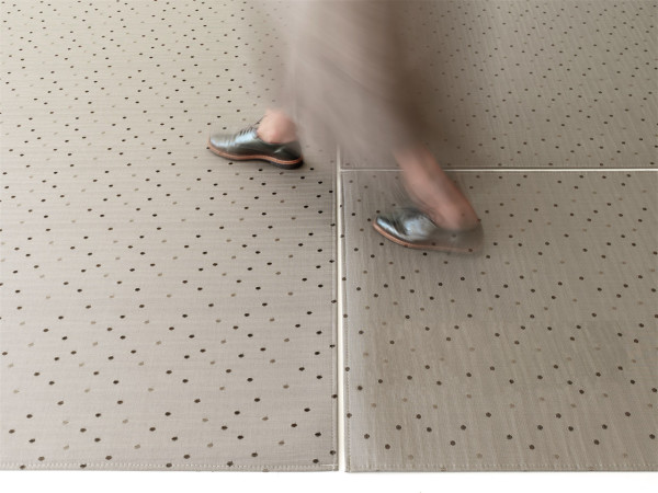Chilewich-16-SS2016-floor_dot_mica