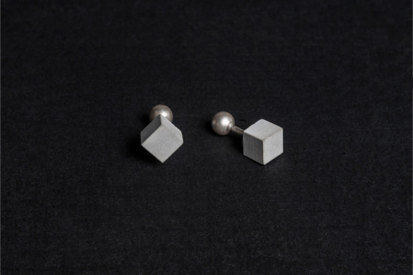 Elements-cufflinks-Material-Immaterial-2a