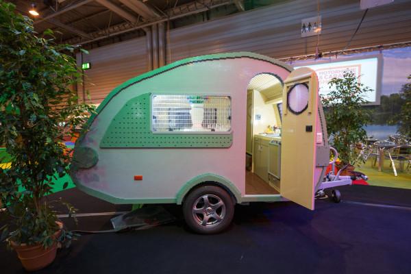 LEGO-brick-caravan-NCC-Bright-Bricks-1