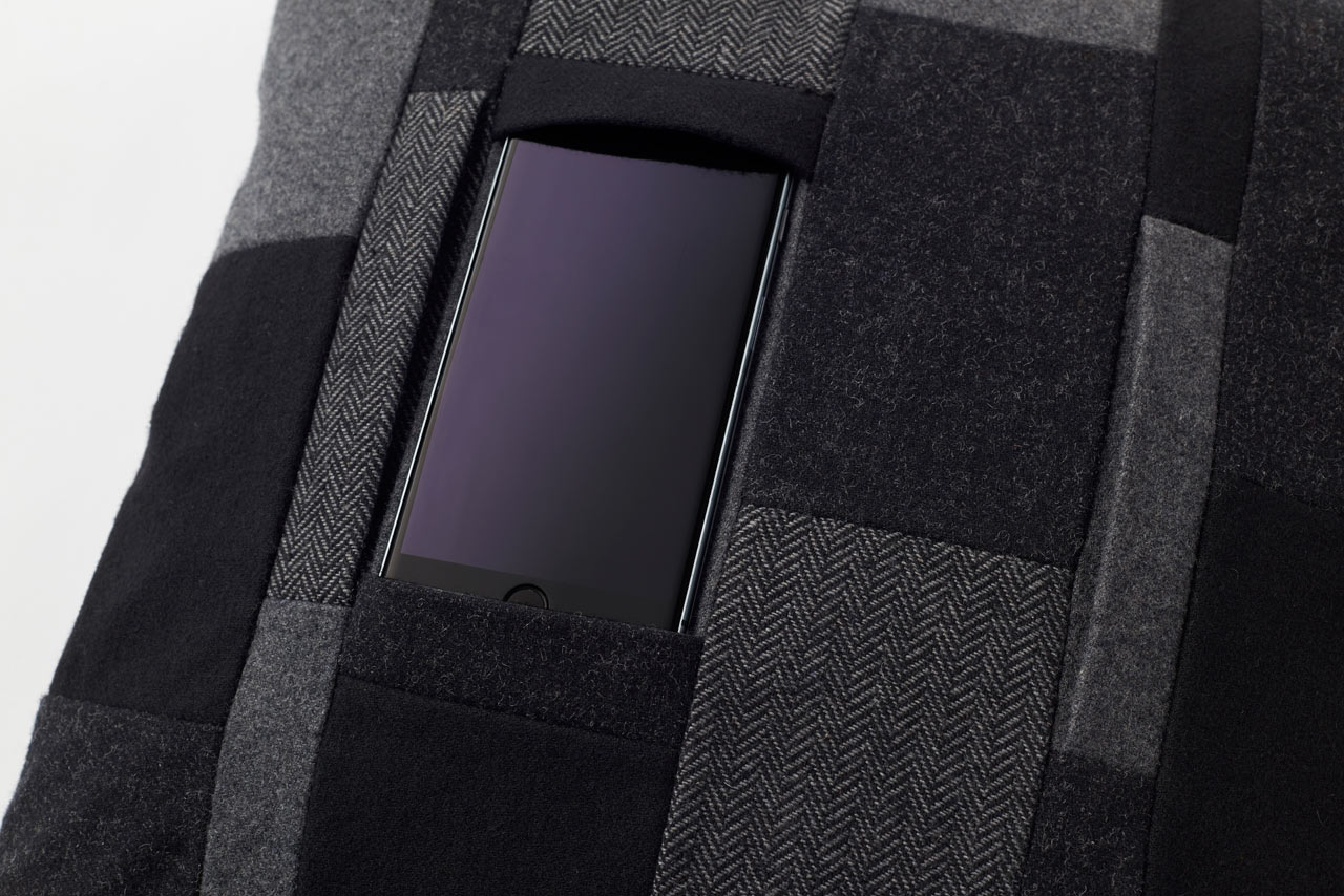 A Pillow That Holds Your Smartphone or Tablet
