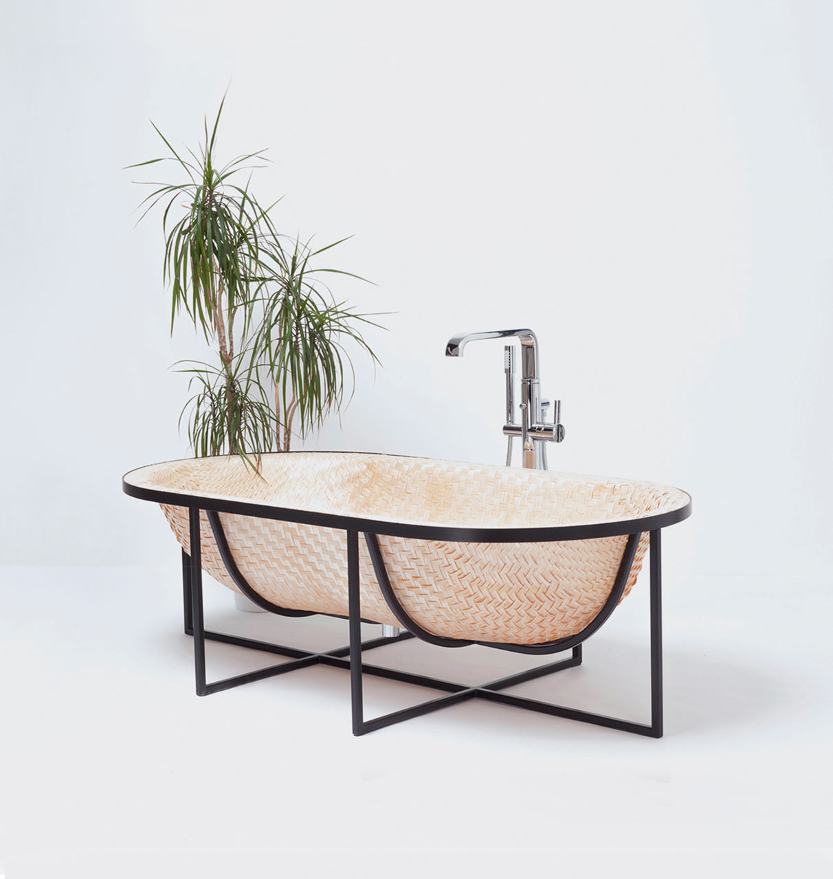 A Bathtub Inspired by Traditional Asian Boat Building Techniques