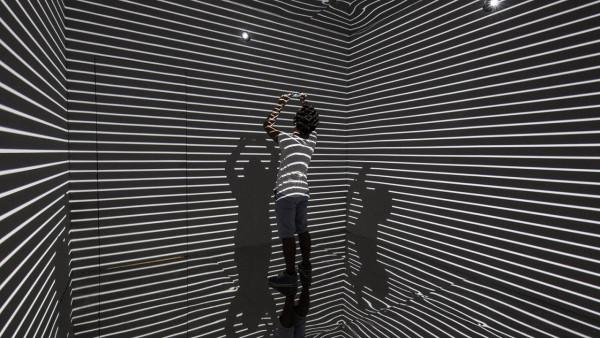 Refik-Anadol-Infinity Room-02
