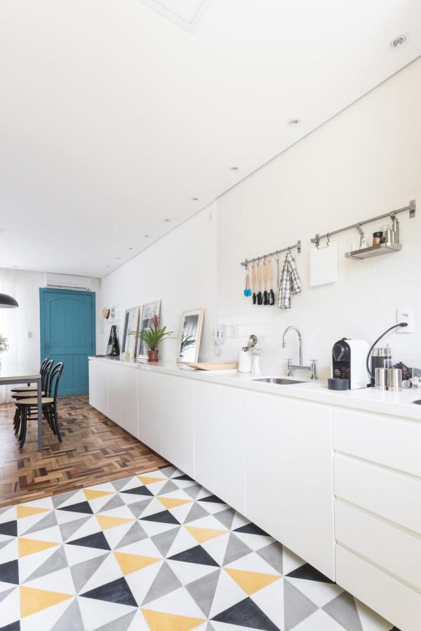 Renata-Ramos-Humaita-Apartment-9