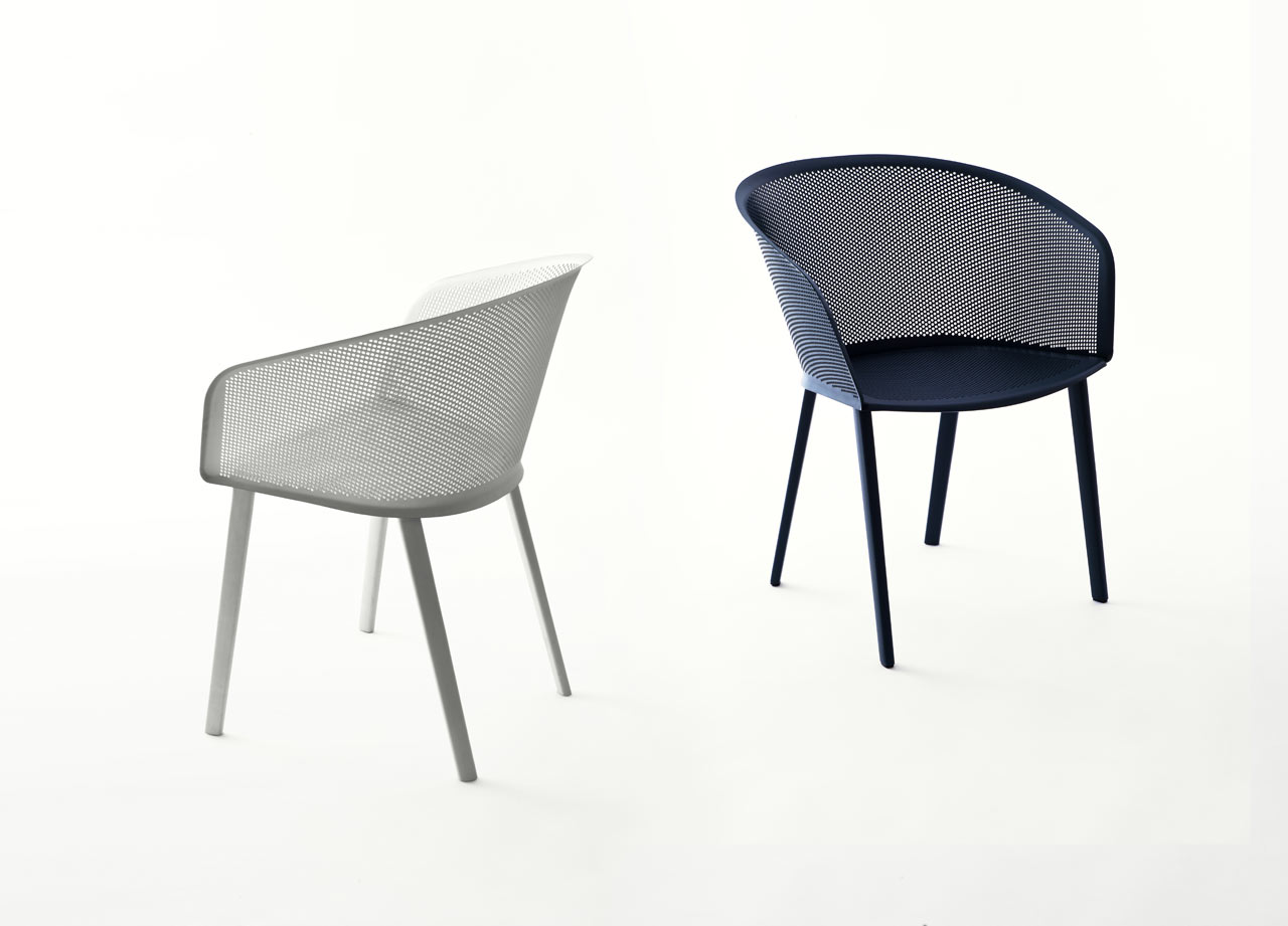 An Outdoor Chair Thatu0027s Both Sturdy And Delicate ...