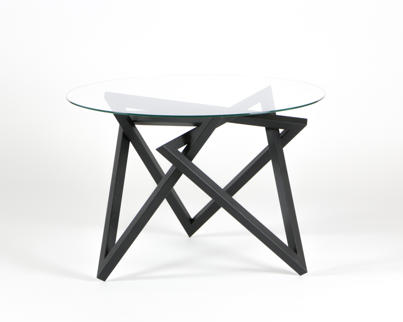 Tangle Table by Liam Mugavin