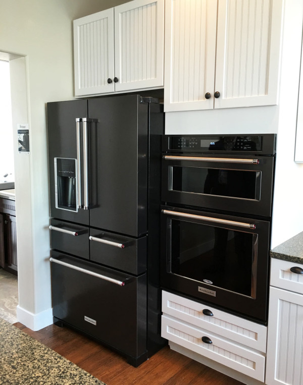 Hot Kitchen Cabinet Colors