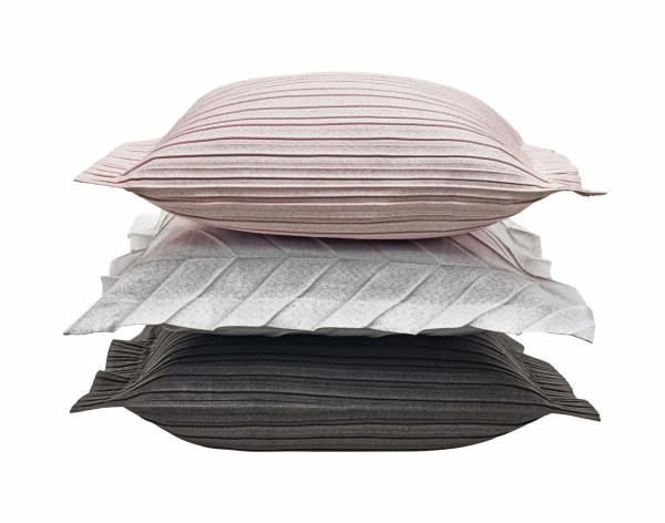 Iittala-X-Issey-Miyake-Home-Collection-7-cushion