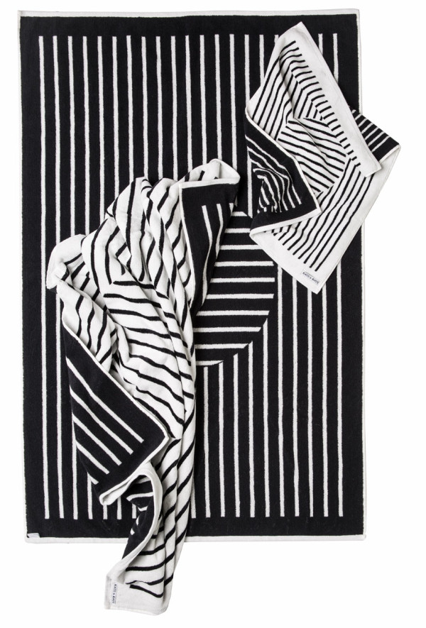 The Tango Towel Set