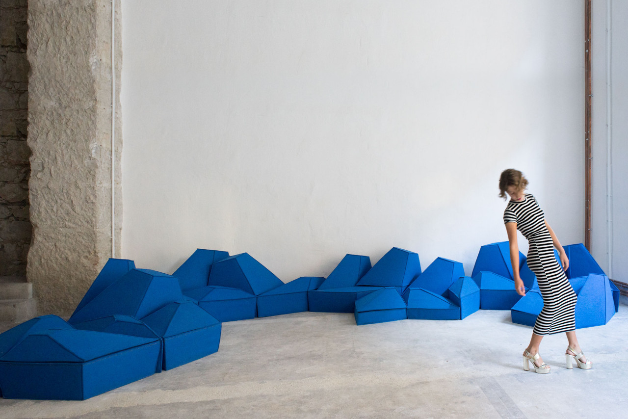 Les Angles: A Sculptural Furniture Concept by smarin