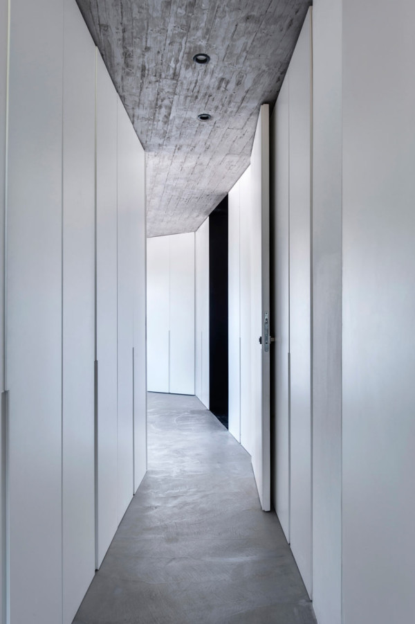 Toledano-architects-Duplex-Penthouse-7-hall