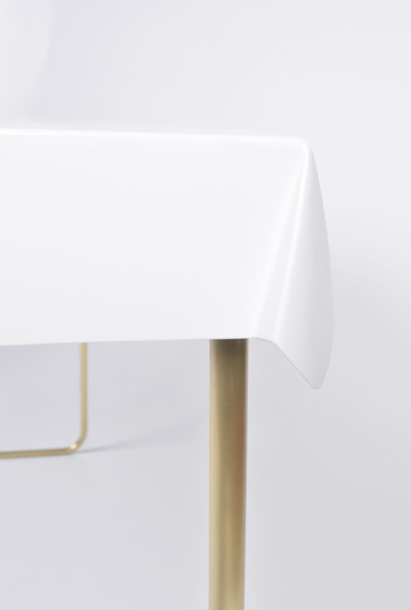Debra-Folz-Tables-13-Drape-desk