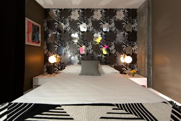 Flavor-Paper-Wallpaper-Warhol-Flowers-12-Raymond-Goodman