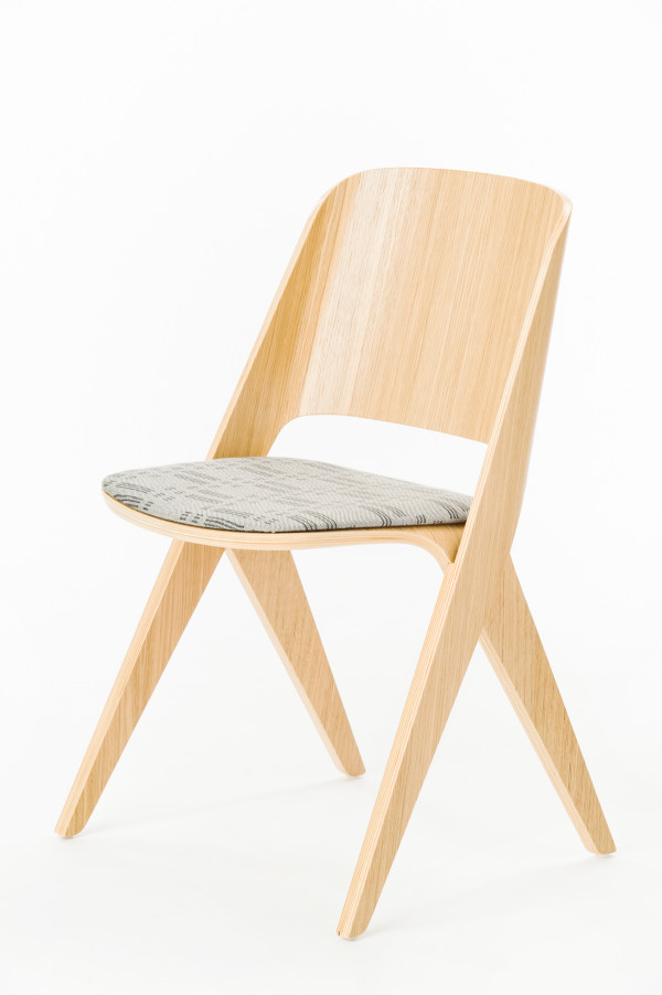Lavitta_chair_oak_f_u