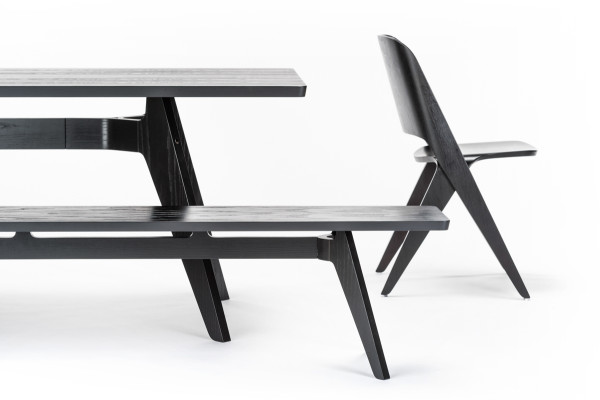 Lavitta_table_bench_chair