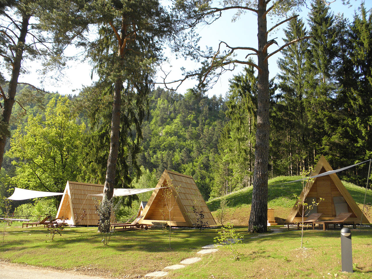 Lushna Villa: Tiny Shelters for Glamping