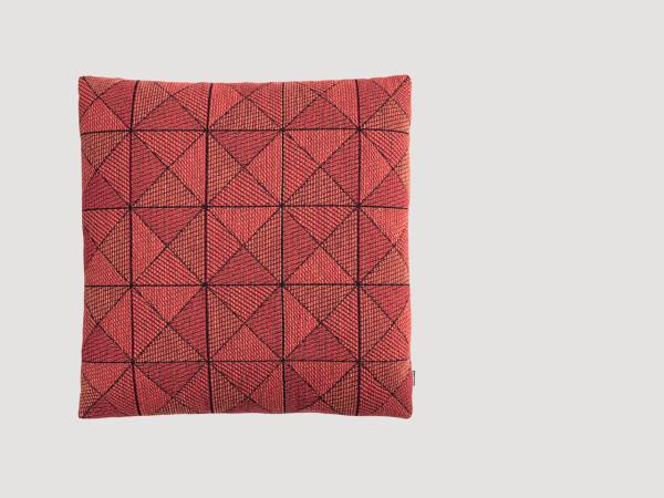 Muuto-16-Tile-Pillow-Anderssen-Voll