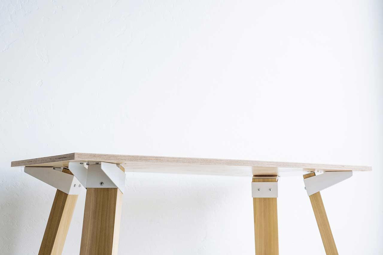 UX4: A Simple & Versatile Bracket System to Build Tables
