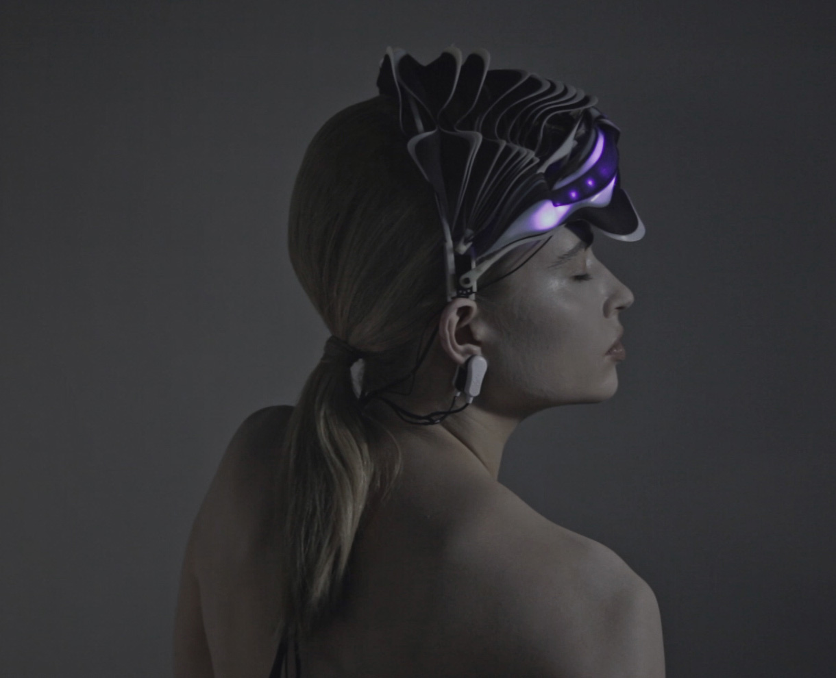 Behnaz Farahi Synapse 3D-Printed Helmet Is Controlled by Brainwaves