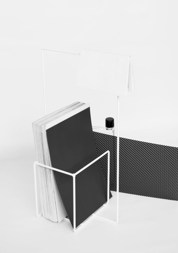 Alvaro-Diaz-Hernandez-Wire-16-Minus-magazine-stand