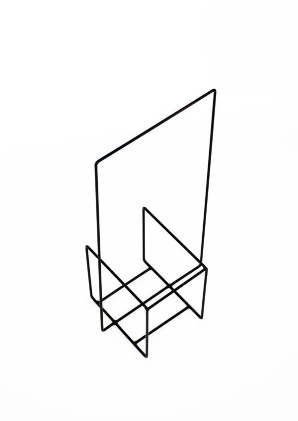 Alvaro-Diaz-Hernandez-Wire-19-Minus-magazine-stand