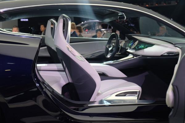 Buick-Avista-seats