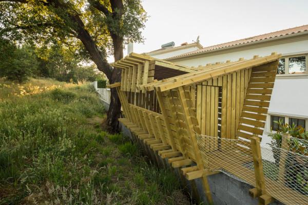 Casa-no-muro-Play-house-Martial-Marquet-4
