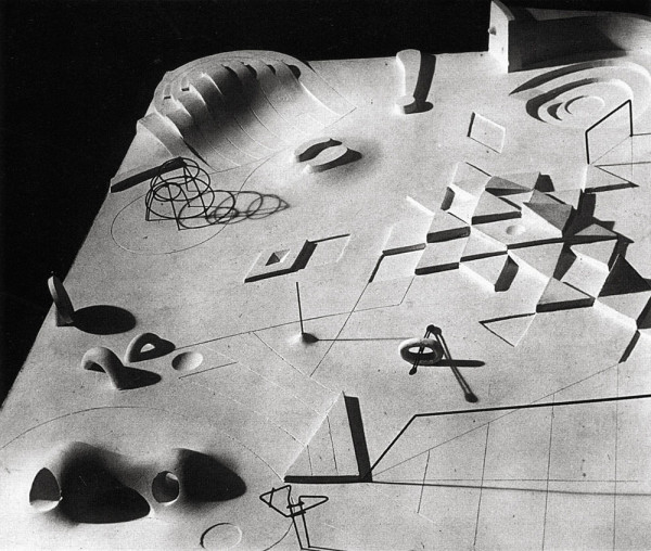 Archival image from Isamu Noguchi: A Study of Space by Ana Maria Torres (New York: Monacelli Press, 2000).