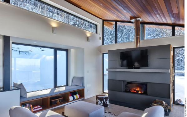 Laurentian-Ski-Chalet-RobitailleCurtis-10