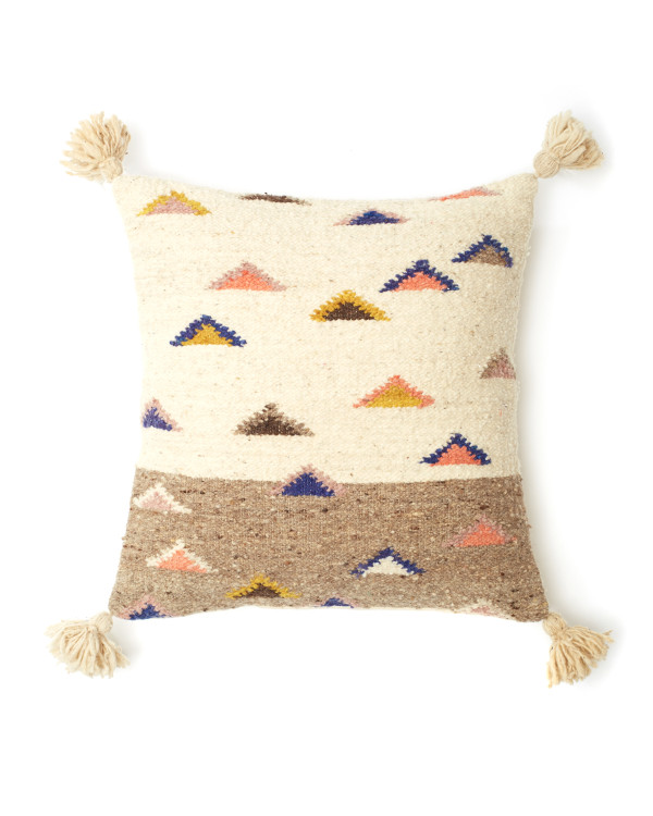 Pillow_Triangle_2020_076