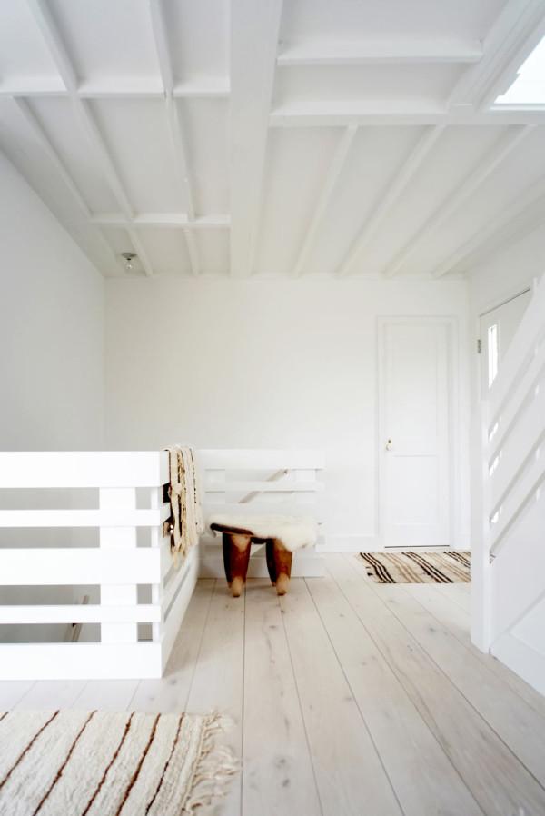 montauk-beach-house-space-exploration-8a