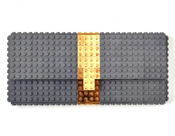 Agabag-Gold-plated-LEGO-bricks-1-bag