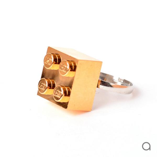 Agabag-Gold-plated-LEGO-bricks-10
