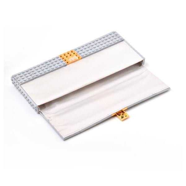 Agabag-Gold-plated-LEGO-bricks-4b